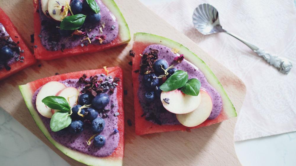rezept-bunte-melonenpizza-acai-blaubeeren-basilikum-turnschuhverliebt-fitness-blogger-fitnessblog_1