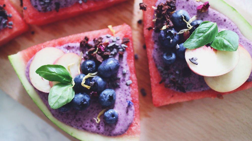 rezept-bunte-melonenpizza-acai-blaubeeren-basilikum-turnschuhverliebt-fitness-blogger-fitnessblog_3