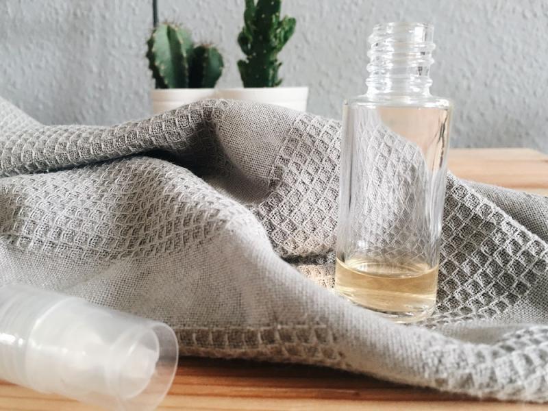 yogamatten-spray-selber-machen-diy-yogamatte-reinigen-reinigungsspray_2