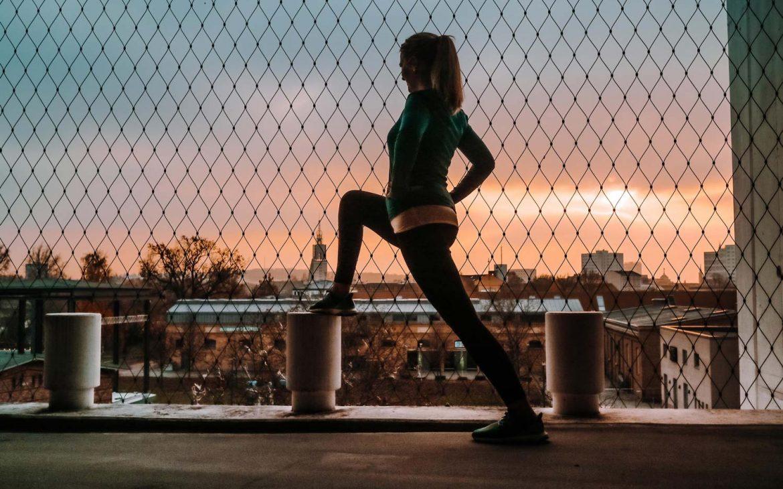 laeuferin-joggen-im-winter-motivation